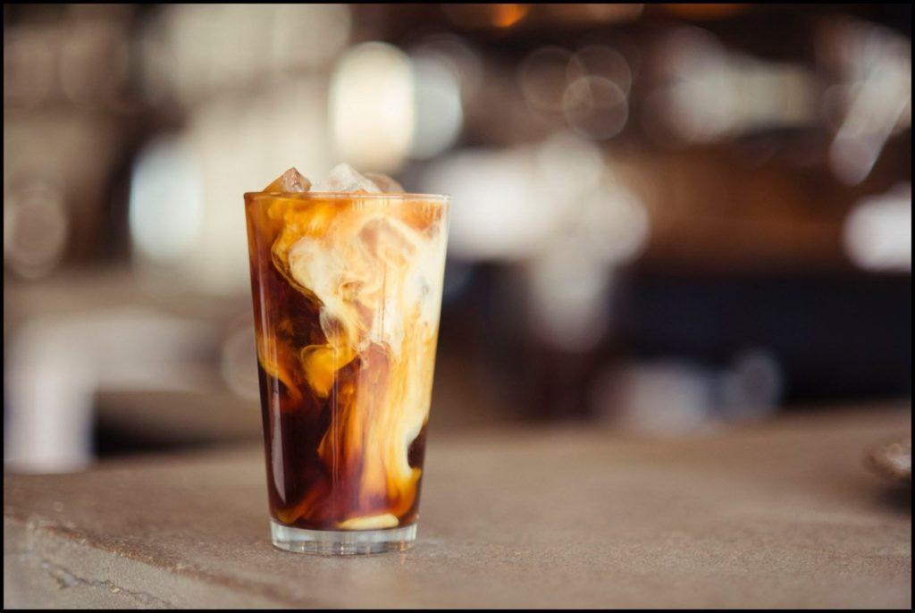 Bulletproof Kaffee: Auch als Iced-Version für den Sommer möglich