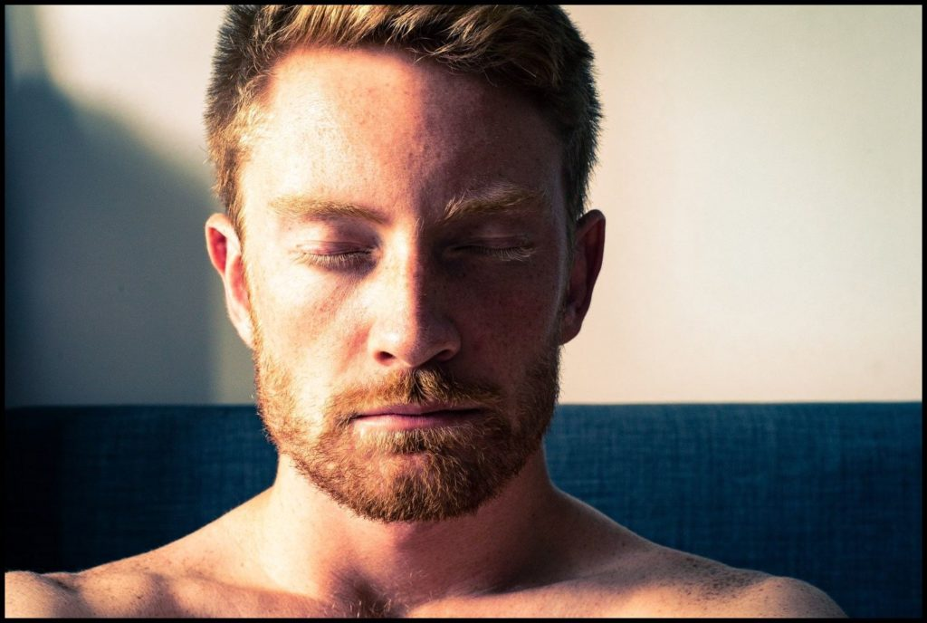 Dankbarkeit_dankbar-sein_Meditation_Mann