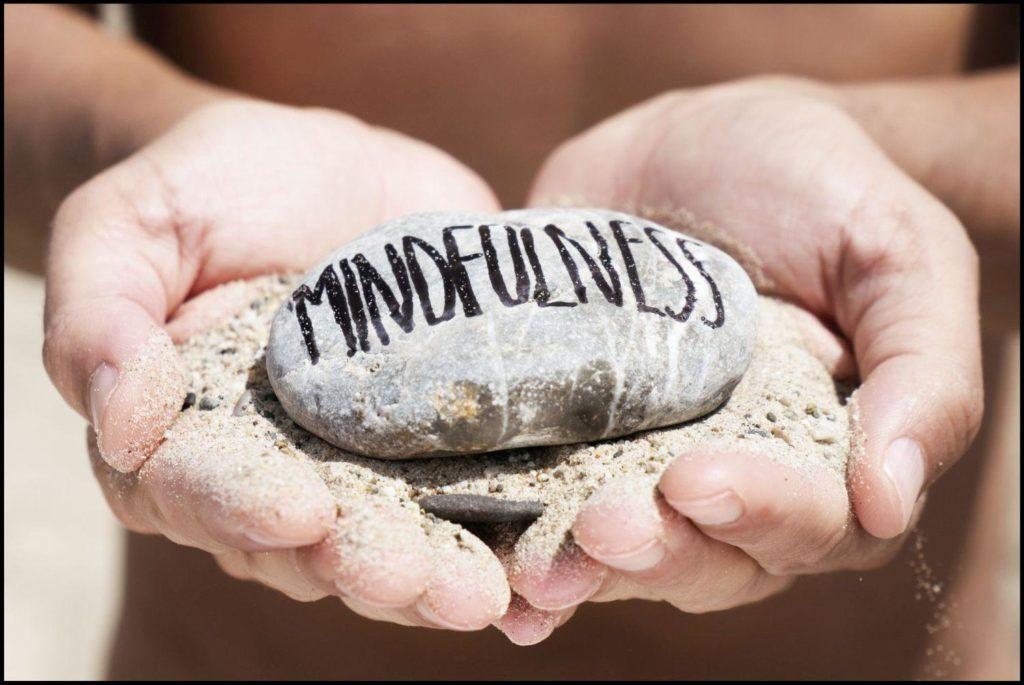 Achtsamkeitsübungen_mindfulness-Stein